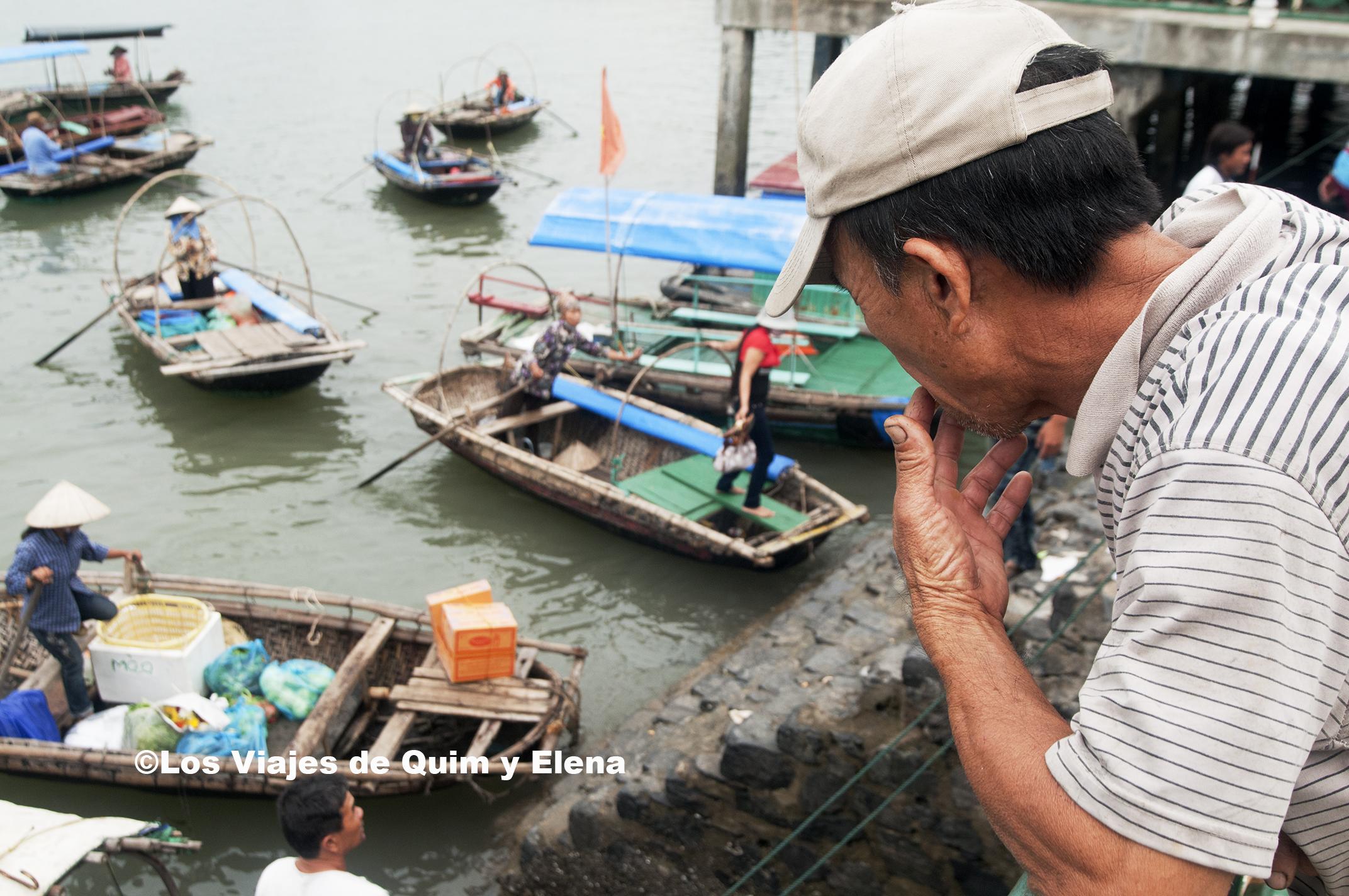 Mucho movimiento de barcas