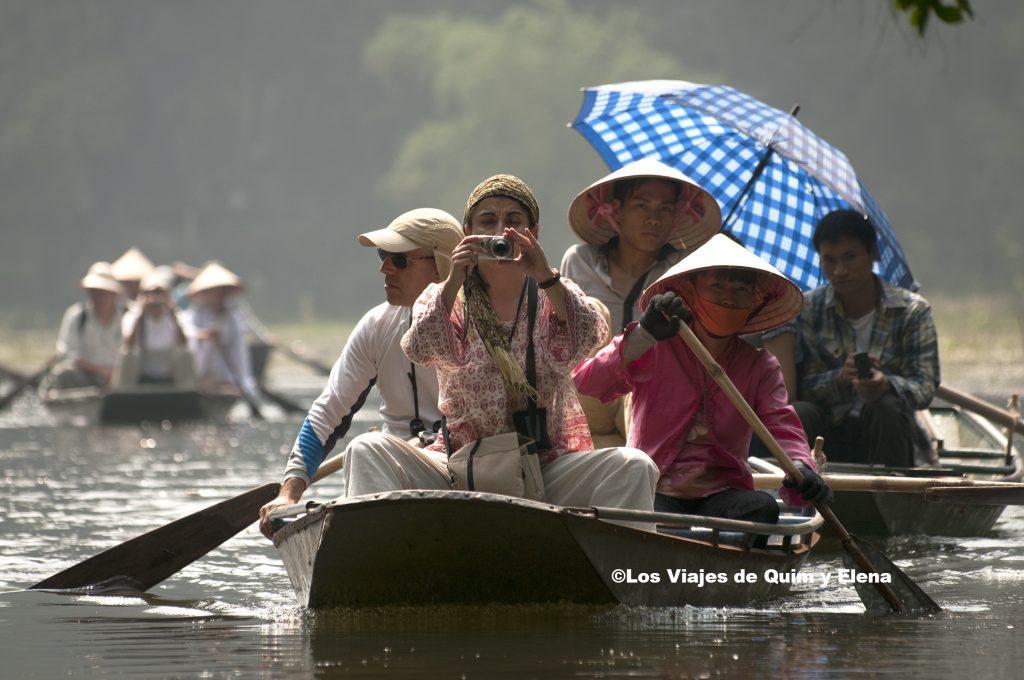 Llegan más turistas a Tam Coc