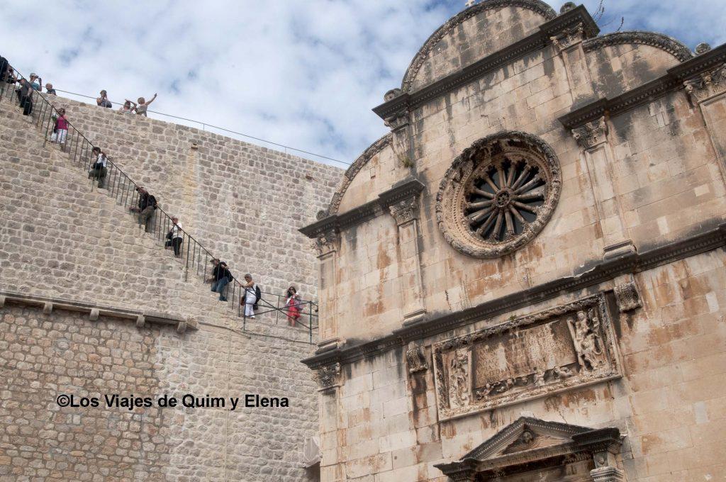 Escaleras de acceso a la muralla