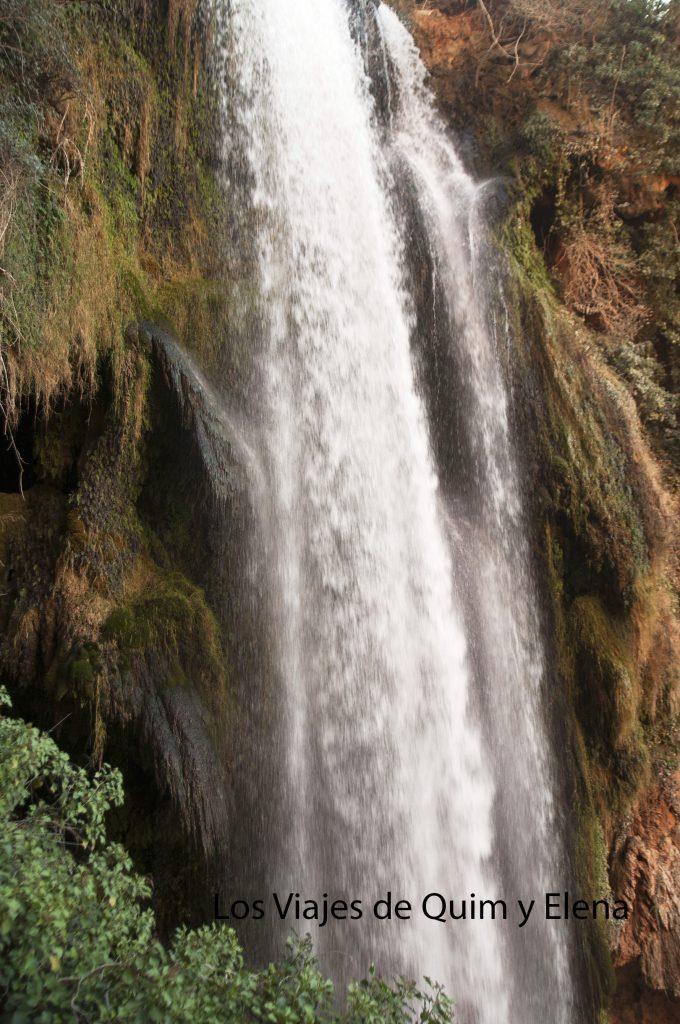 El agua fluye por todas partes en el Monasterio de Piedra