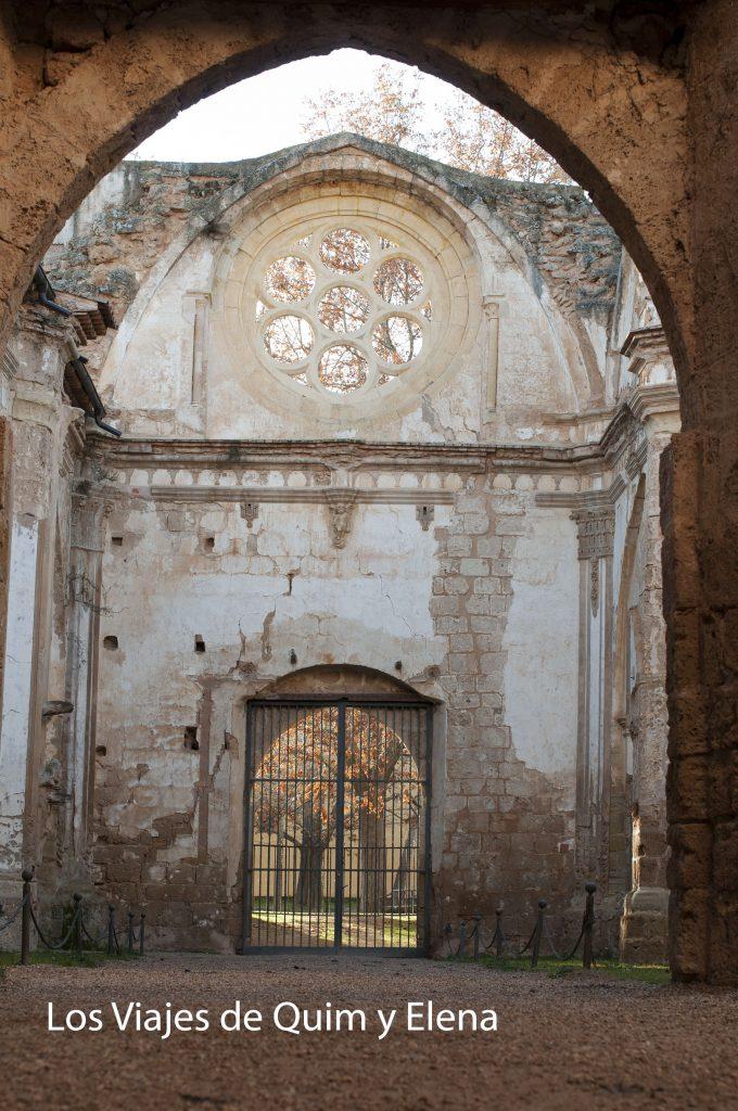 Lo poco que queda de la iglesia del Monasterio de Piedra