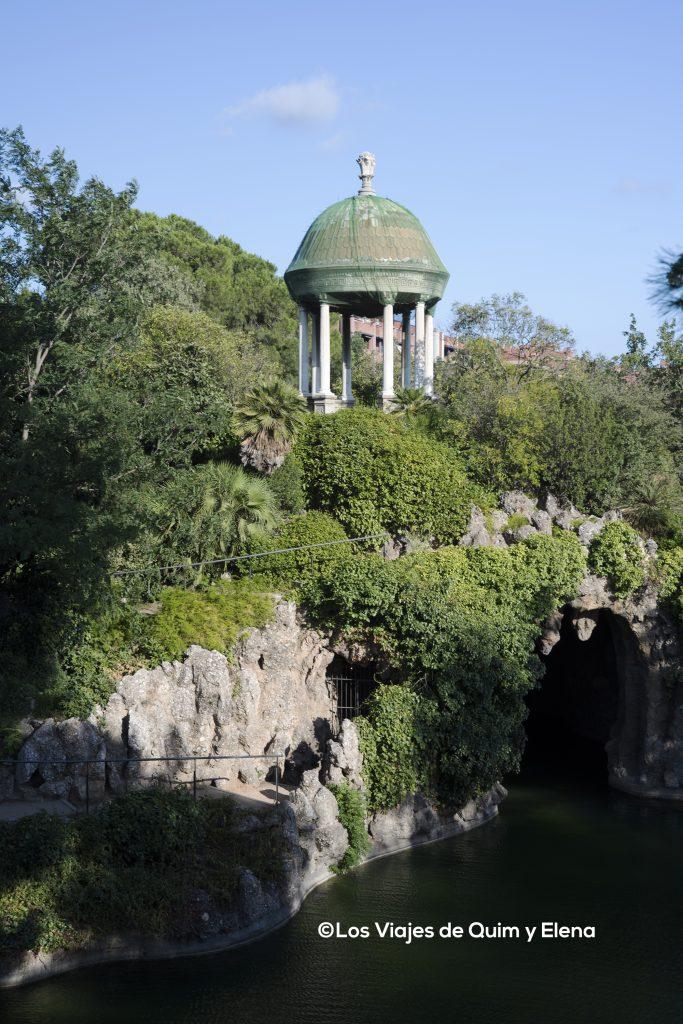 Vista desde el lado de la cascada