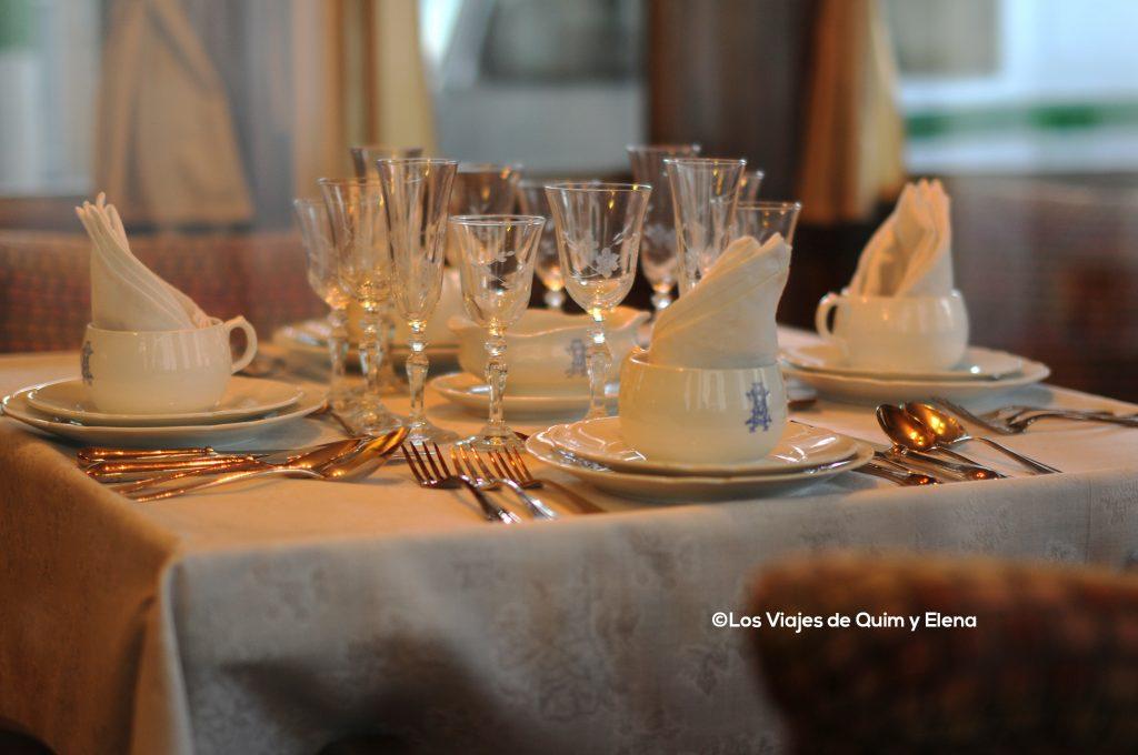 La mesa en primera clase