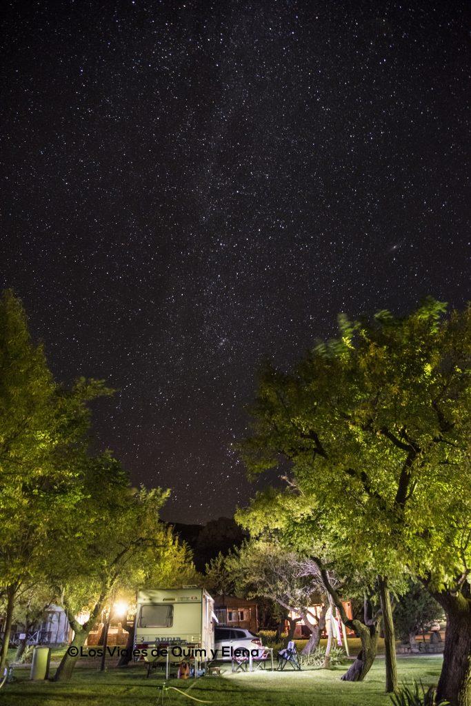 Cielo nocturno de Loarre en el camping