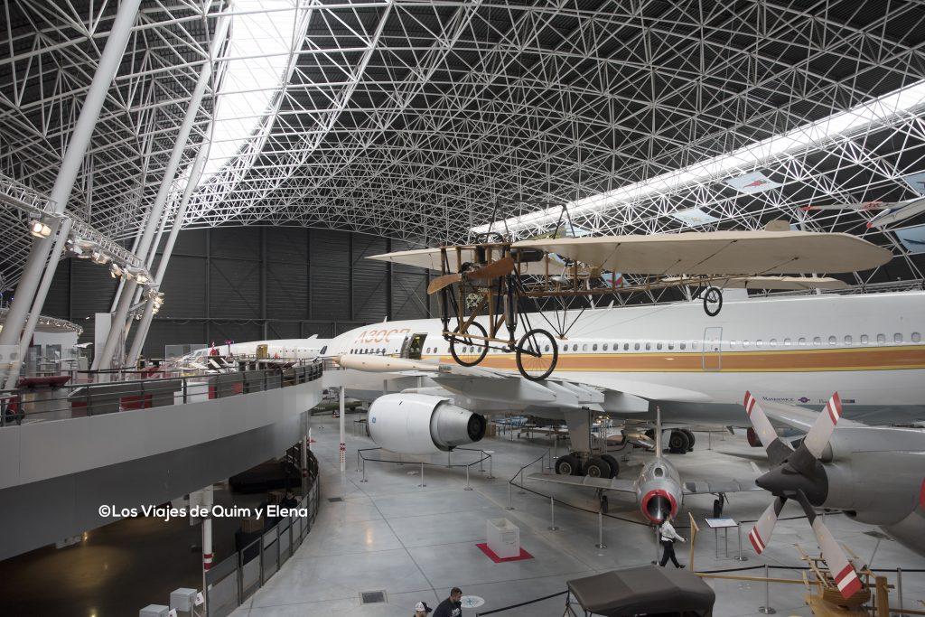 El hangar en el que se encuentran los aviones