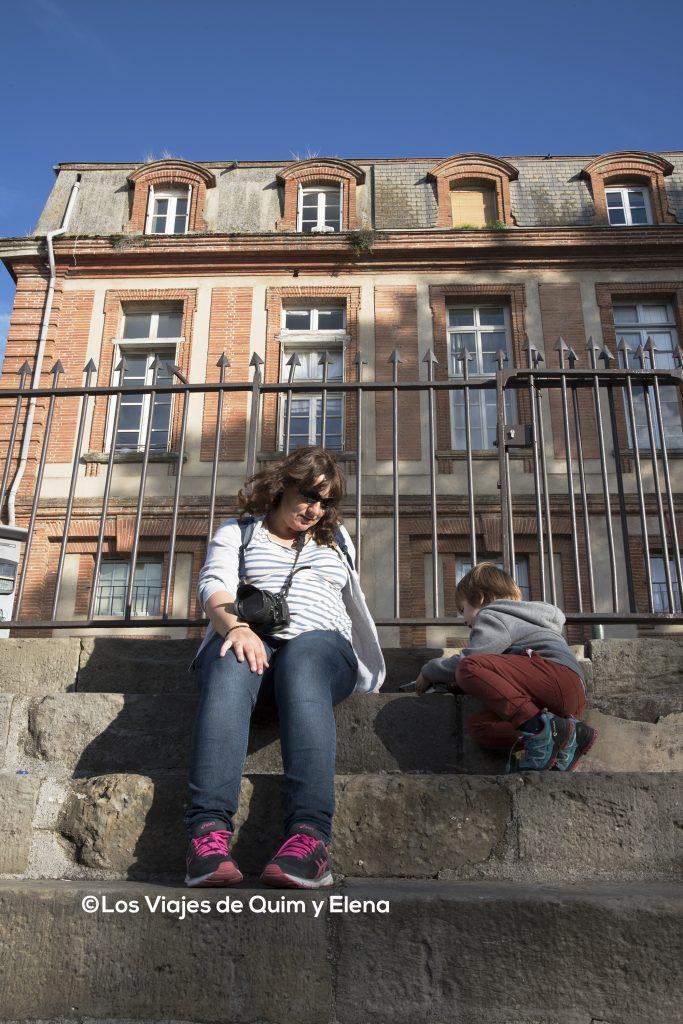 Elena y Éric junto al Canal de Brienne