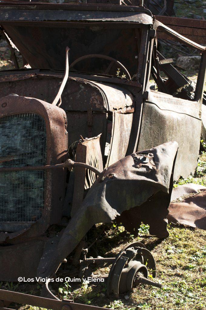 Camión destrozado