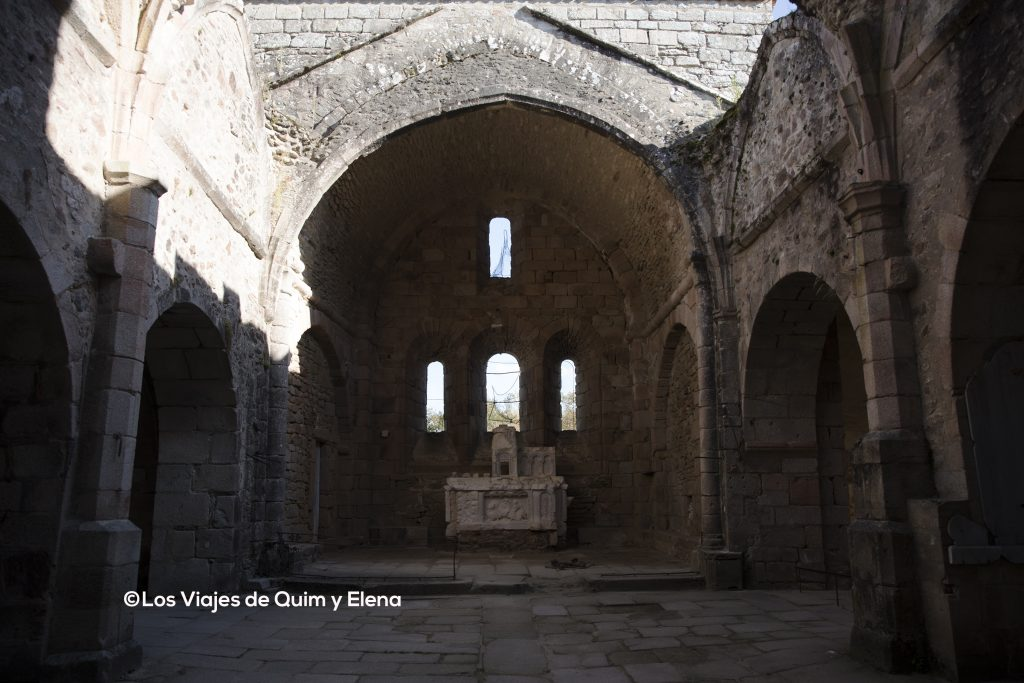 Interior de la iglesia de Oradour Sur Glane