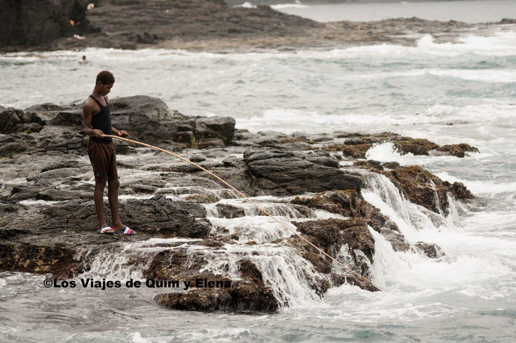 Pescando en Ponta do Sol