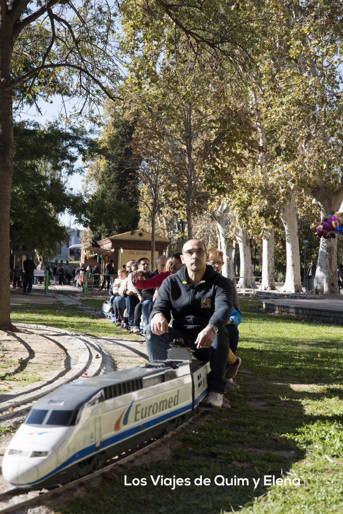 Parc de Can Mercader con trenes para niños