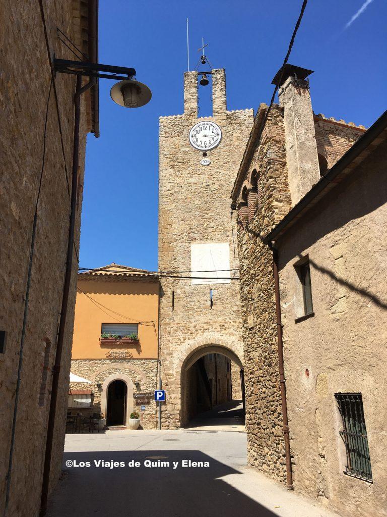 Torre de las horas uno de los pueblos con encanto