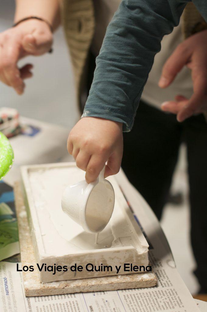 Creando un fósil en el Museo de Alcover