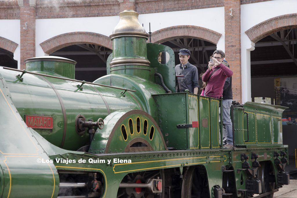 Quim subido a la locomotora Mataró