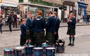 Desde pequeños ya con falda al visitar Edimburgo