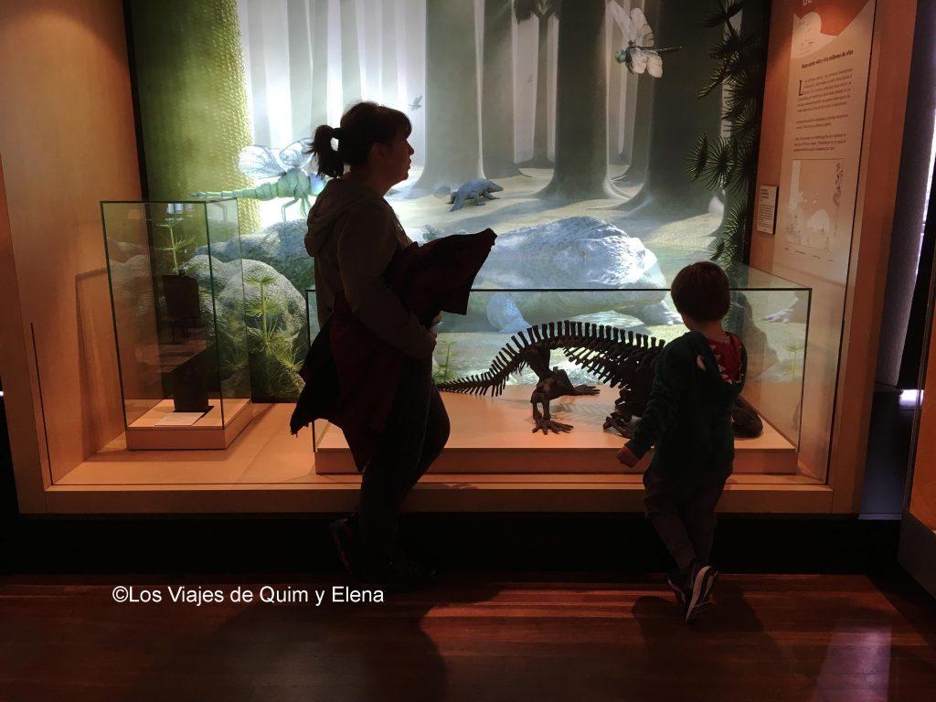 Elena y Éric disfrutando del museo