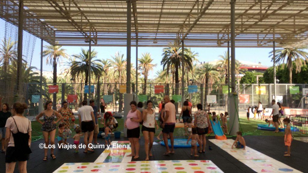 Zona de juegos de agua en el Parc Miró