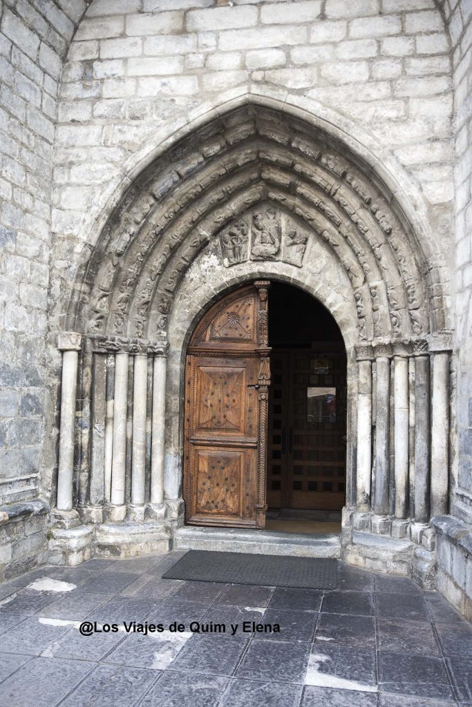 Puerta de la Parroquia de Sant Miquel