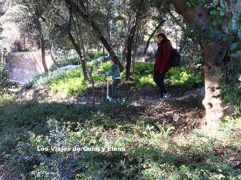 Elena y Éric en Jardins Pla i Armengol