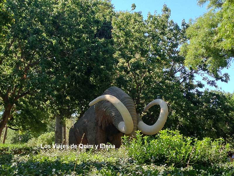 El mamut del Parque de la Ciutadella