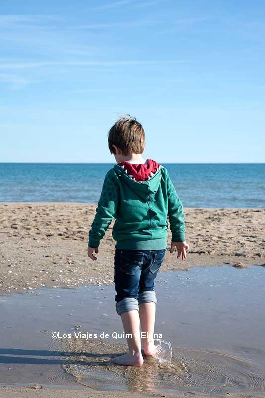 Éric en la playa de la Paella de Torredembarra