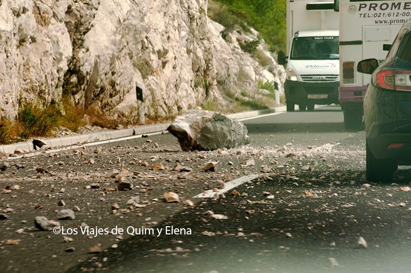 Roca caída en Croacia con Seguro de Viaje