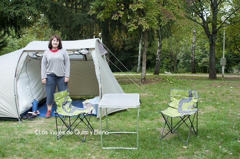 Acampados en un camping de Plitvitce en Croacia