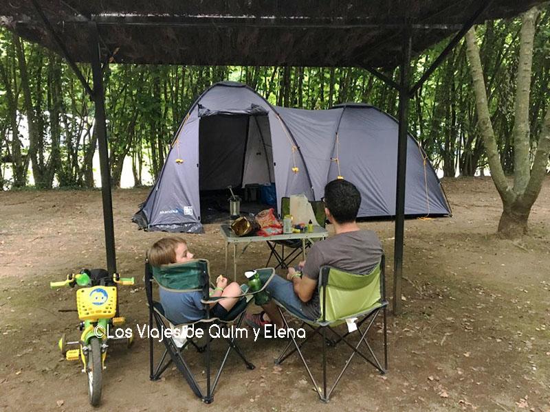 Éric y Quim en el Camping Lava de Olot