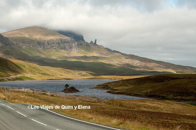 Vista del Old Man of Storr de la Isla de Skye