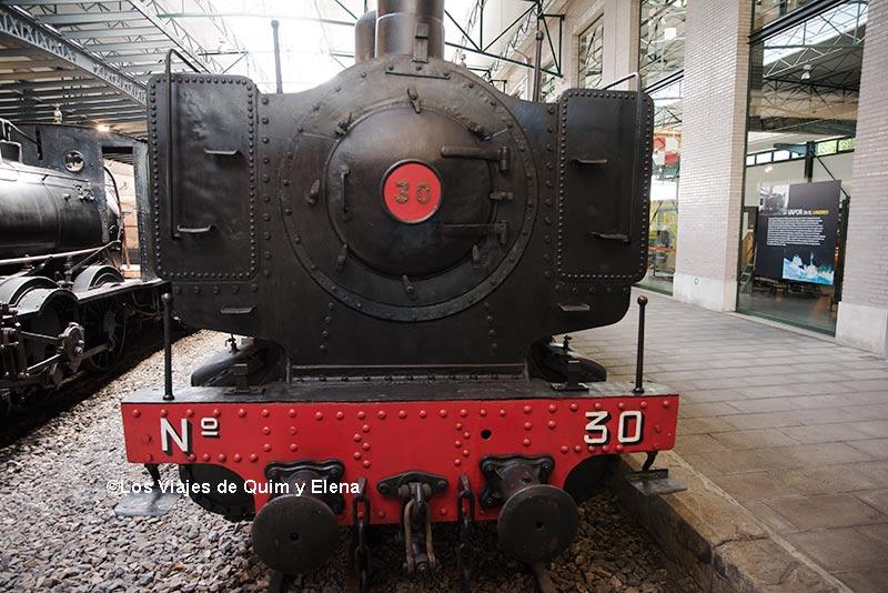 Locomotora en el museo del Ferrocarril de gijón