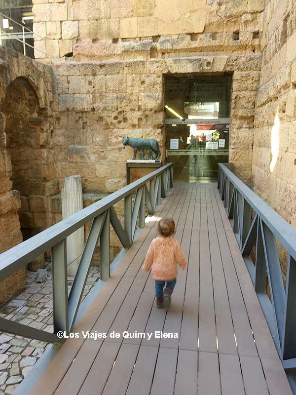 Álex recorriendo la antigua Tarraco