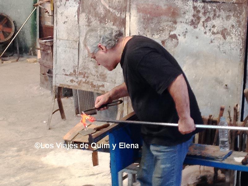 Trabajando el vidrio en el Poble Espanyol