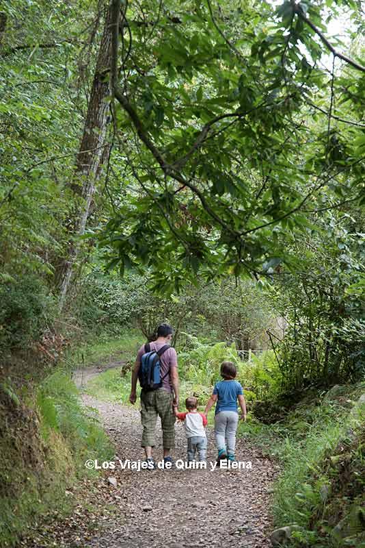 Paseando en Asturias, sobre nosotros